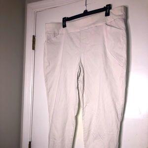 CJ Banks White dress Capri pants size 22w